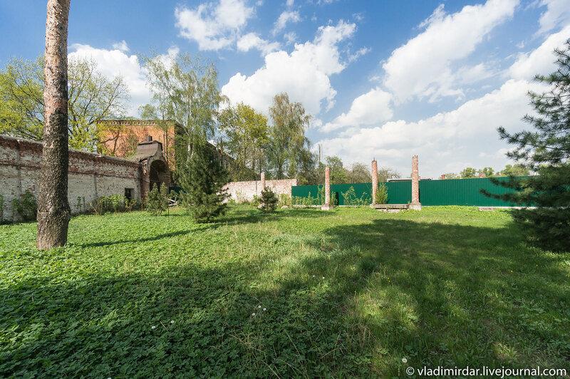 Место древнего кладбища в Николо-Угрешском монастыре