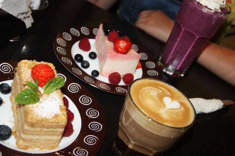 торты, пирожные, кофе