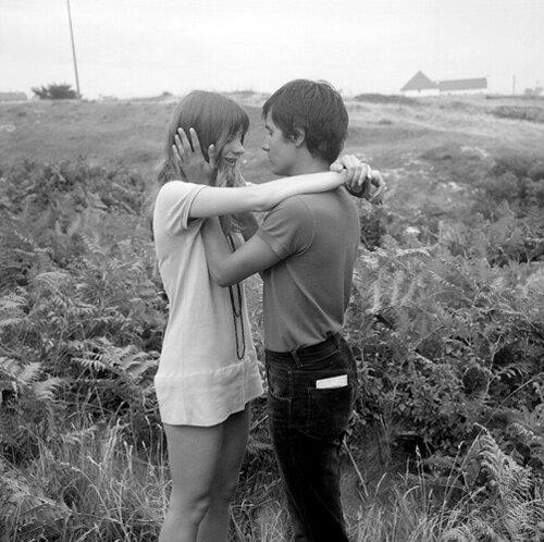1205-1-amoureux-en-bretagne.jpg1205/1- parisiens en vacances en Bretagne - amoureux - juillet 1969©Gerald Bloncourt