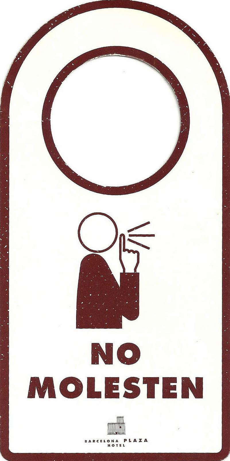 """Door hanger. Креативный дизайн простых табличек """"Не беспокоить"""""""