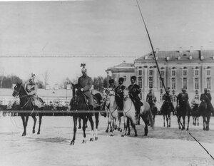 Император Николай  II на параде полка.