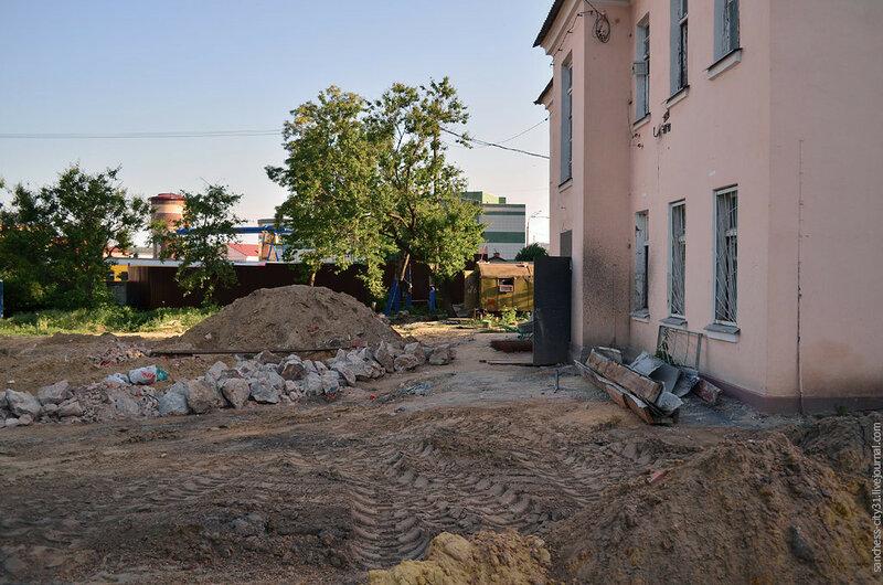 Старинный фонтан на Вокзальной улице, проститутки Белгород, фото Sanchess, 2014