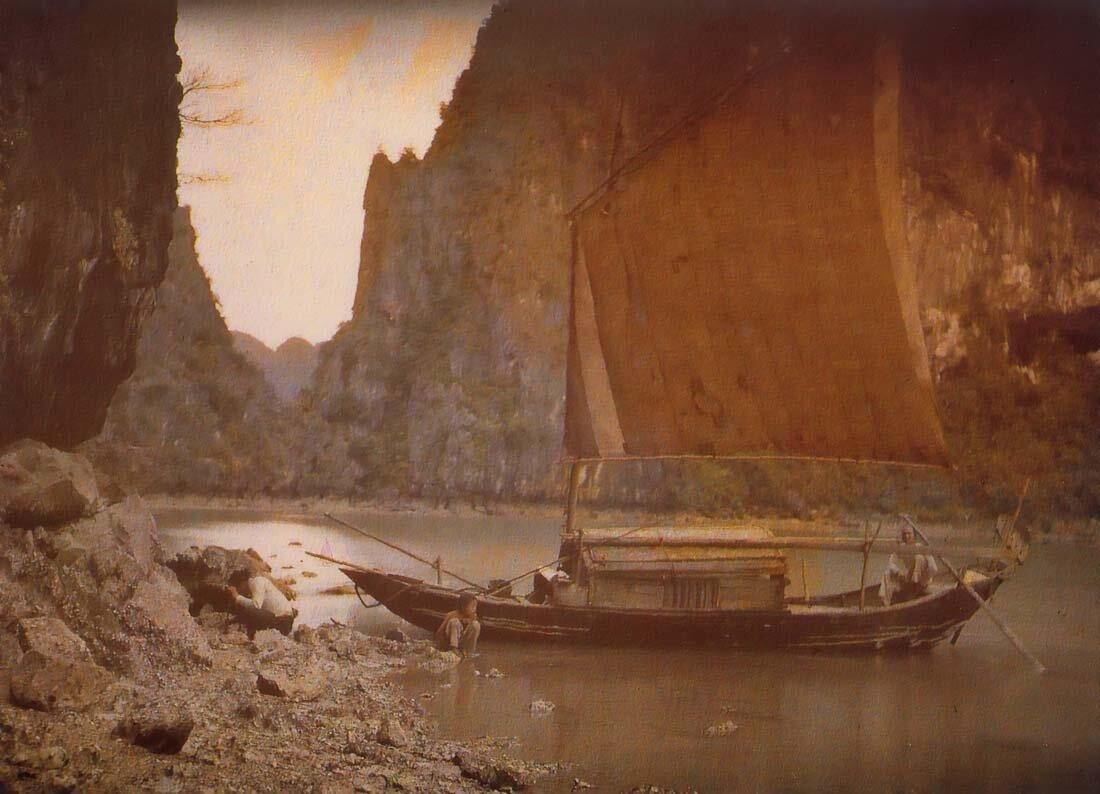 Сампан в бухте Халонг, 1916
