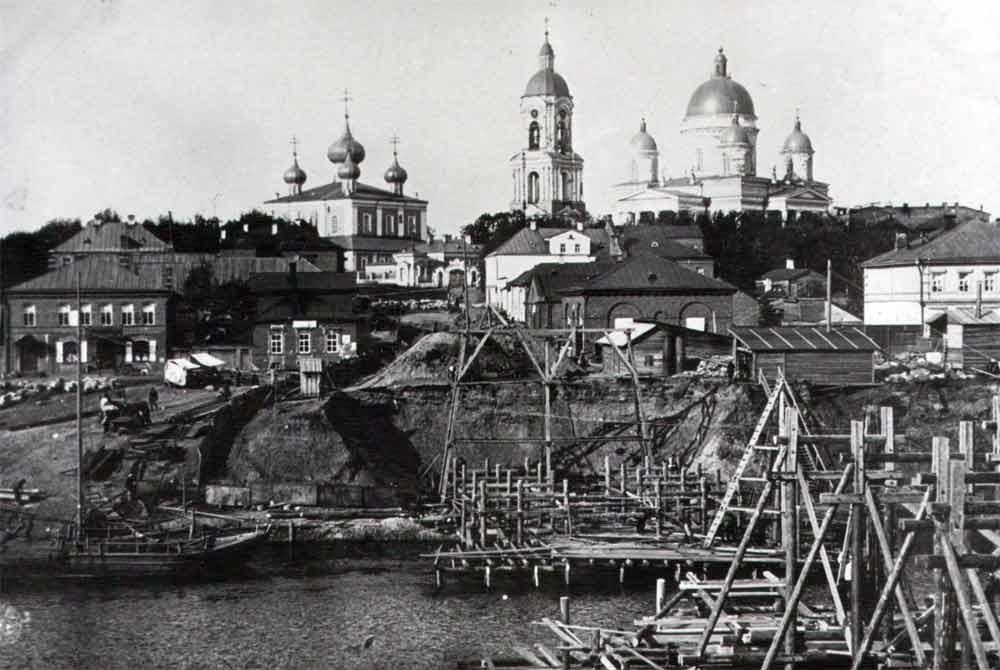 Начало строительства моста