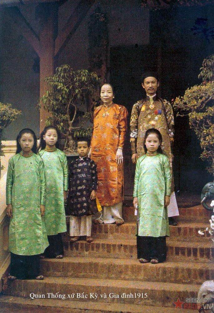 Тонкин. Глава провинции Ха Донг со своей семьей. 1915