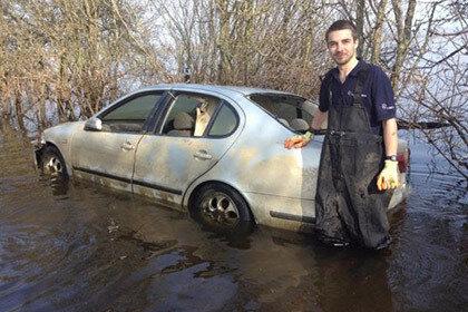 Утонувшая машина выставлена на eBay