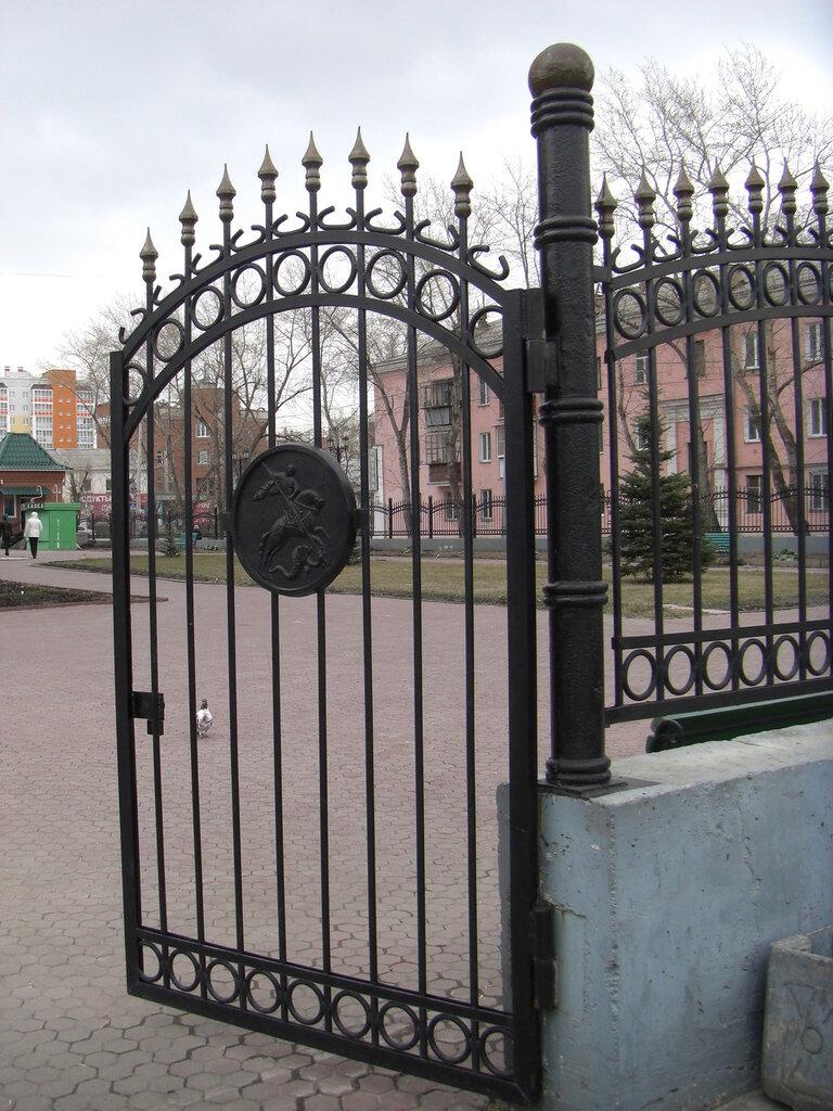 И Георгий Победоносец на воротах (25.04.2014)