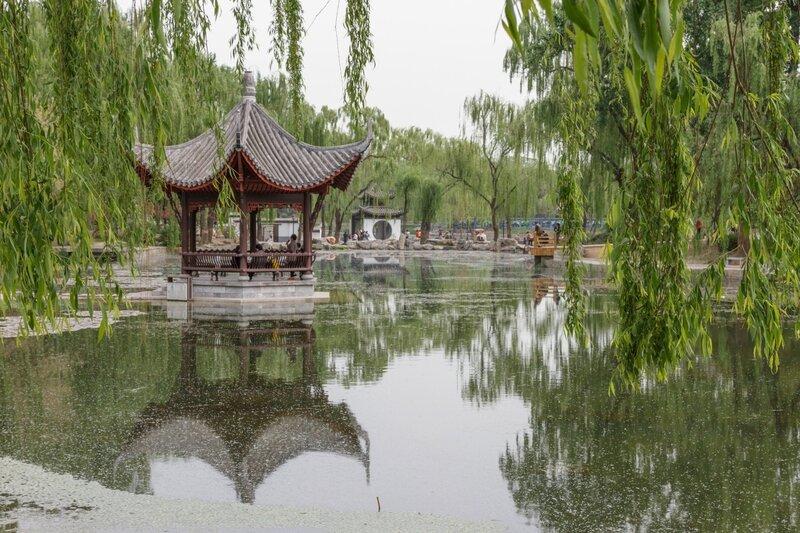 Беседка на озере, Парк Таожаньтин, Пекин
