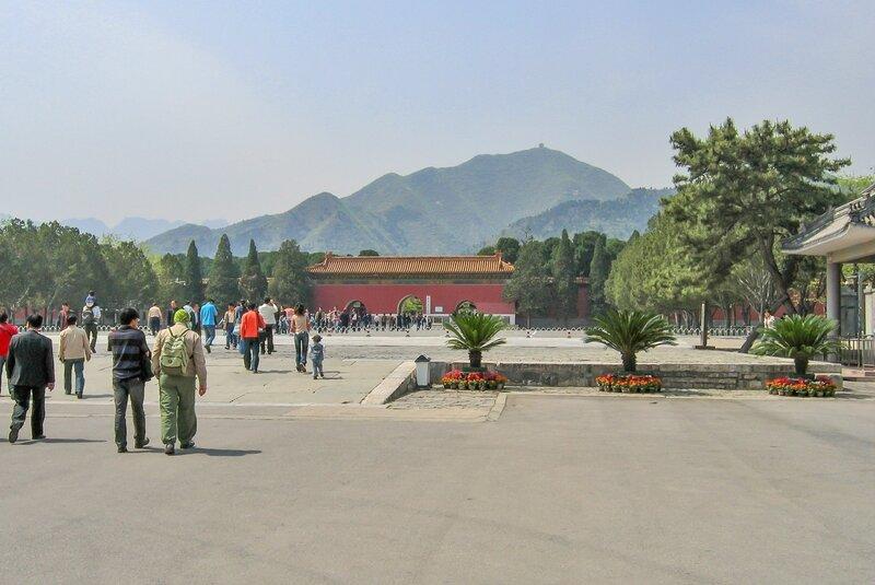 Гробница Динлин, Минские гробницы, Шисаньлин, Пекин
