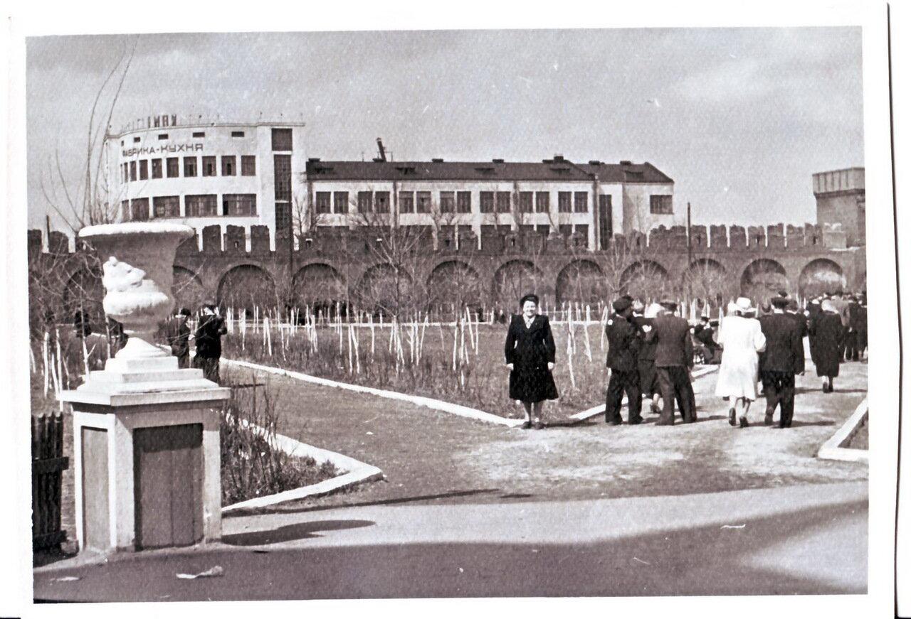 1950-е. Здание фабрики-кухни
