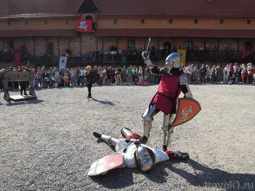 Показательные бои рыцарей в Тракайском замке