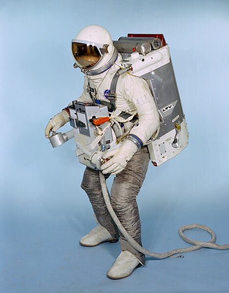 Nasa space suit evolution