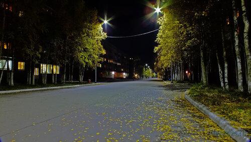 Фотография Инты №5949  Первое включение нового энергосберегающего светодиодного освещения на улице Горького (Горького 3 и 7 магазин