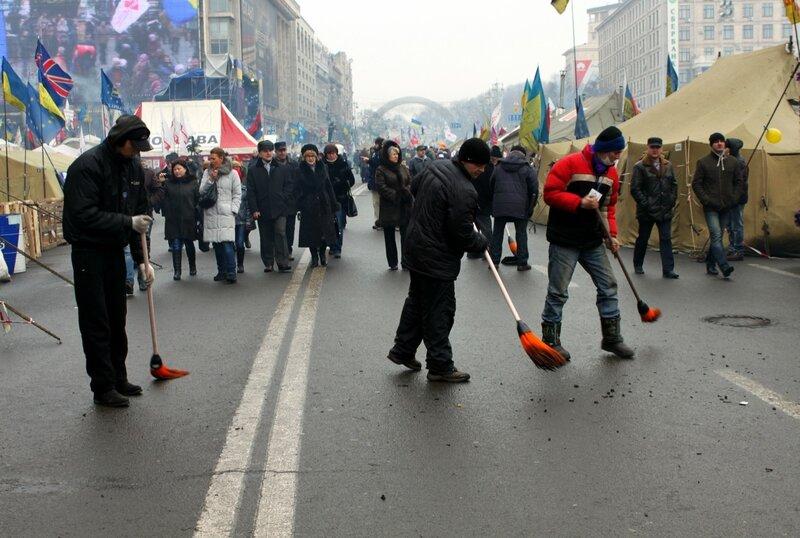 Уборка Евромайдана