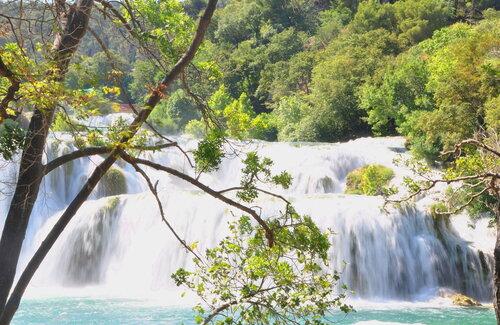 У водопада Скрадинский бук