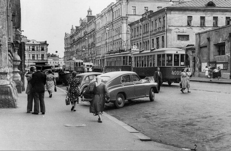 Сценка из московской жизни серидины 20 века