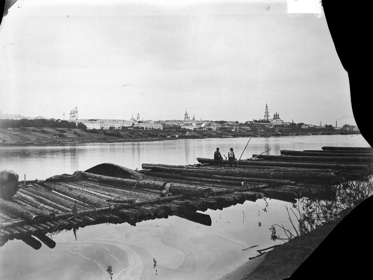 Вид Костромского Кремля с Волжских плотов