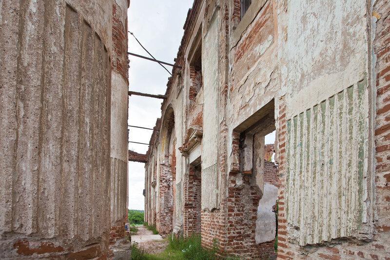Остатки римского дворца на Наре