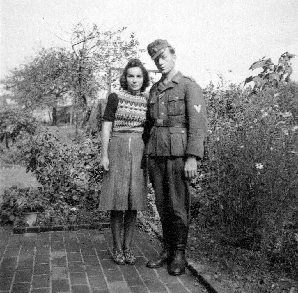 1941-1944 111