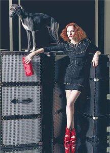 Стильное платье крючком от Trussardi