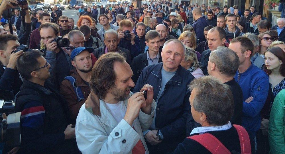 Статкевич хочет провести пикет вМинске