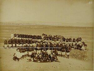 Солдаты и офицеры Лейб-гвардии 2-го Стрелкового батальона.
