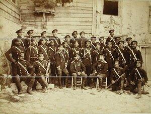 Группа офицеров и солдат 2-го эскадрона Лейб-гвардии Конно-Гренадёрского полка.