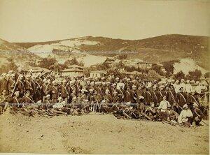 Группа офицеров и солдат 3-го эскадрона Лейб-гвардии Конно-Гренадёрского полка.