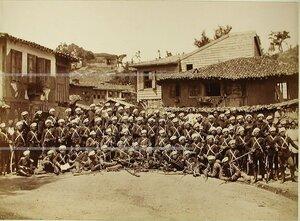 Солдаты и офицеры 4-го эскадрона Лейб-гвардии Конно-Гренадёрского полка.