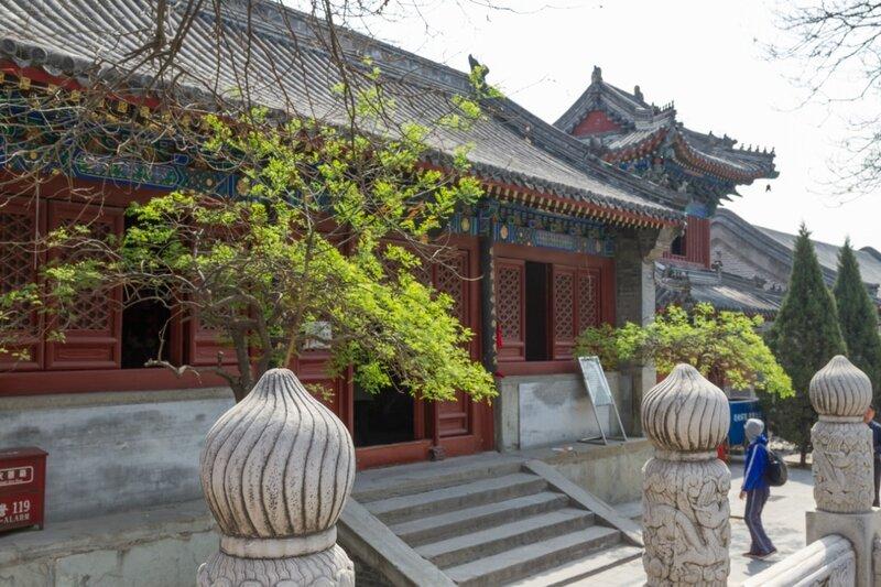 Зал Трех Правителей и Барабанная башня, храм Белого облака, Пекин