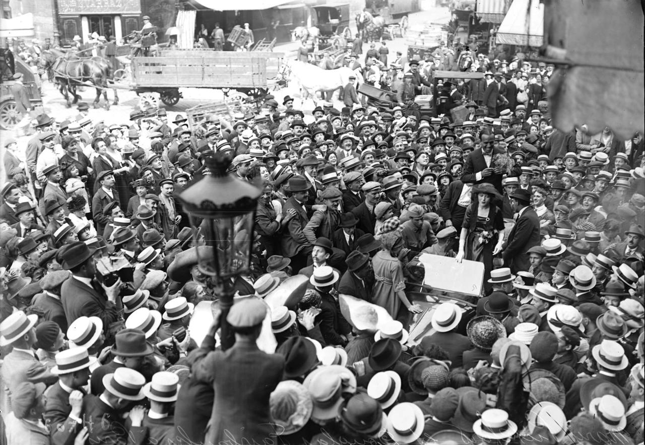 1920. Мэри Пикфорд и Дуглас Фэрбенкс в Париже