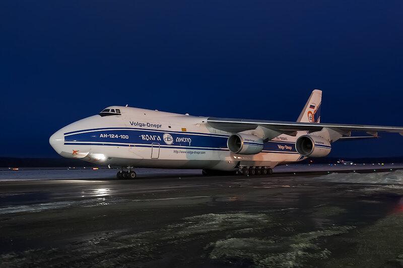 Антонов Ан-124-100 (RA-82047) Волга-Днепр D707852
