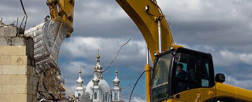 Демонтаж строений необходим для возведения чего-то нового