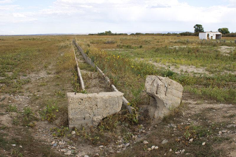 старые водоводы у поселка Акший