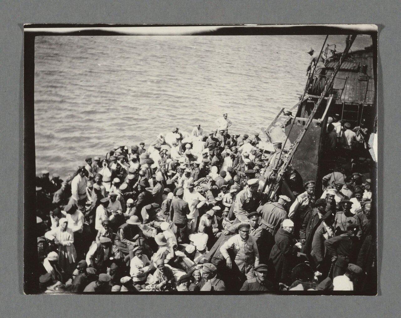 02. На корабле перед высадкой
