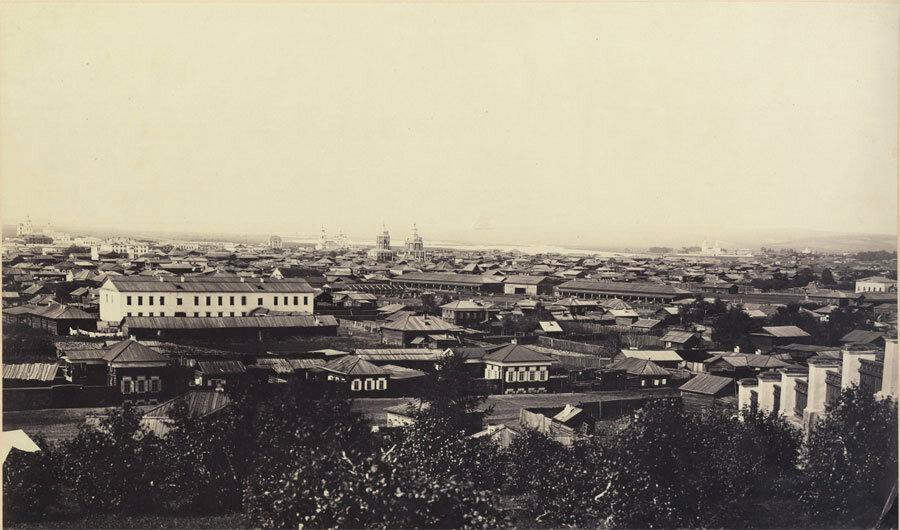 Вид на город с Петрушиной горы от Иерусалимской церкви. Фото А. К. Гофмана. 1860-е