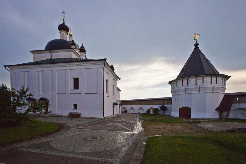 Смеркалось... - Высоцкий Серпуховской мужской монастырь