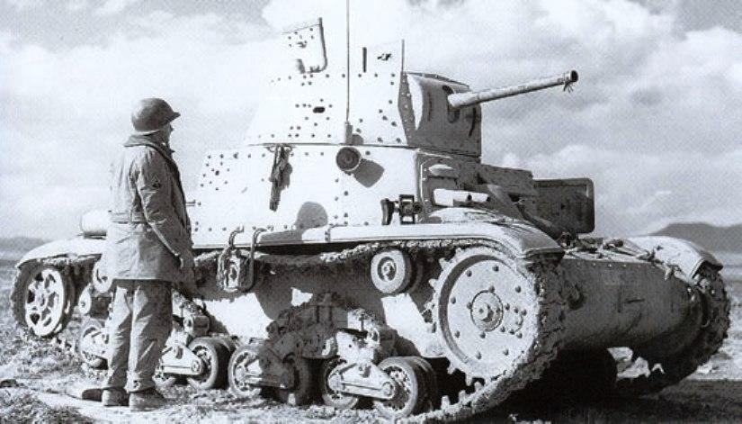 Брошенный танк Carro Armato М13/40. Сев. Африка.