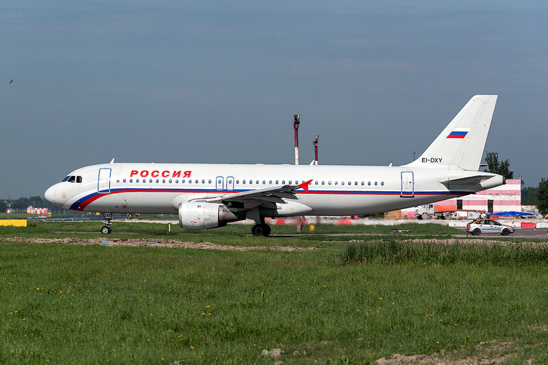 Airbus A320-212 (EI-DXY) Россия D800801
