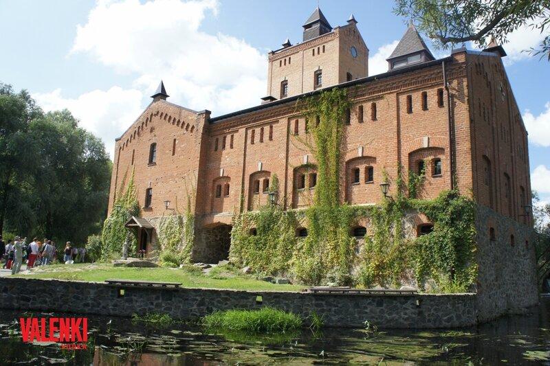 Водка VALENKI в XIX веке - костюмированное мероприятие в настоящем замке