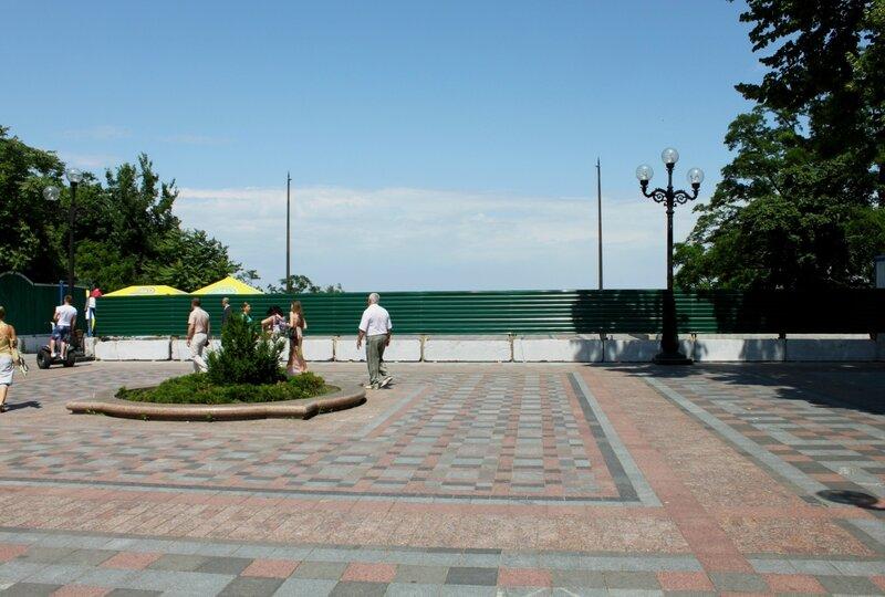 Забор перед площадкой обозрения