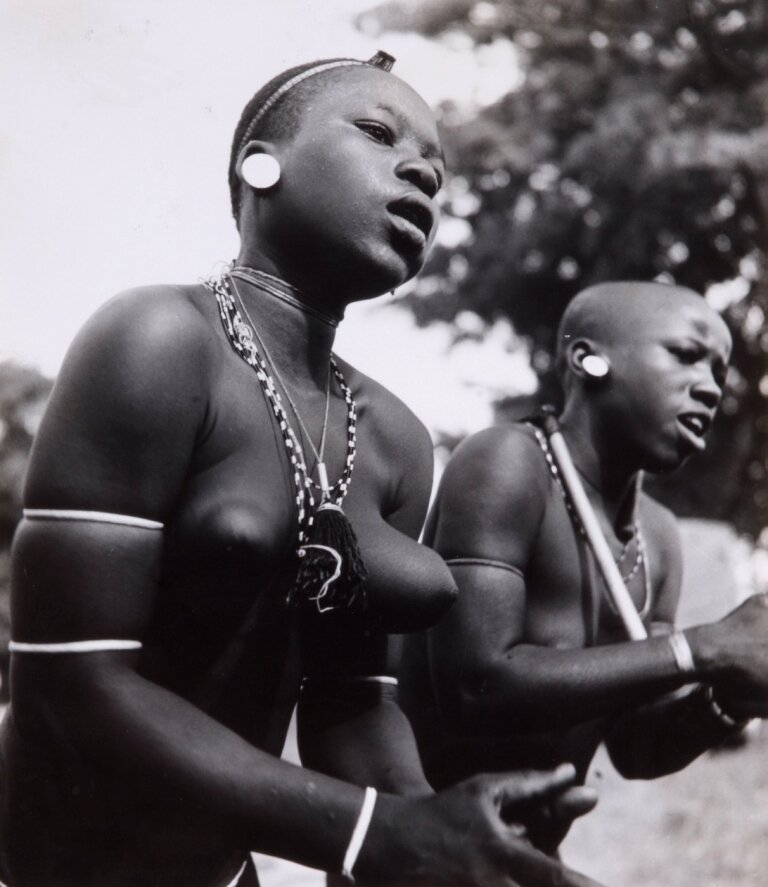 1963. Танцоры сомба. Дагомея.
