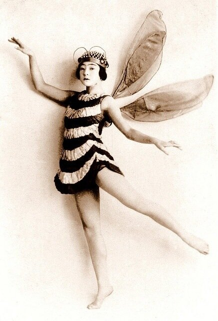 To Bee or not to Bee, ca. 1920