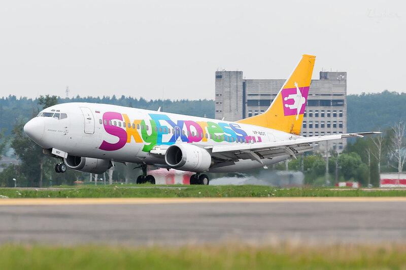 Boeing 737-341 (VP-BOT) Sky Express DSC2124