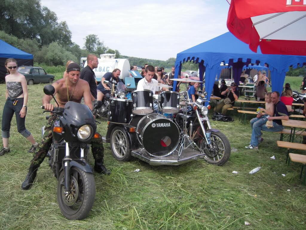 Фото ебут на мотоцикле 7 фотография