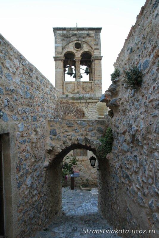 Peloponnes, Akrokorinf