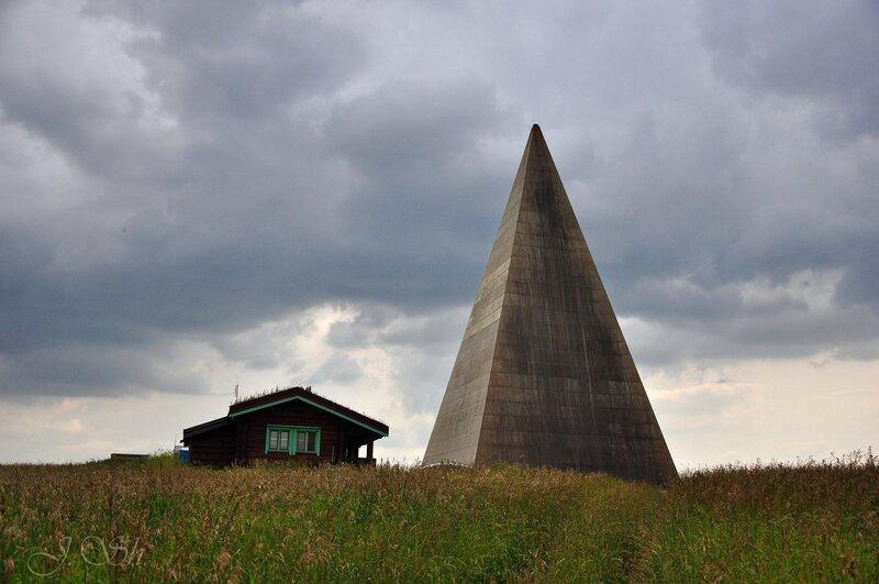 Пирамида на Новорижском шоссе
