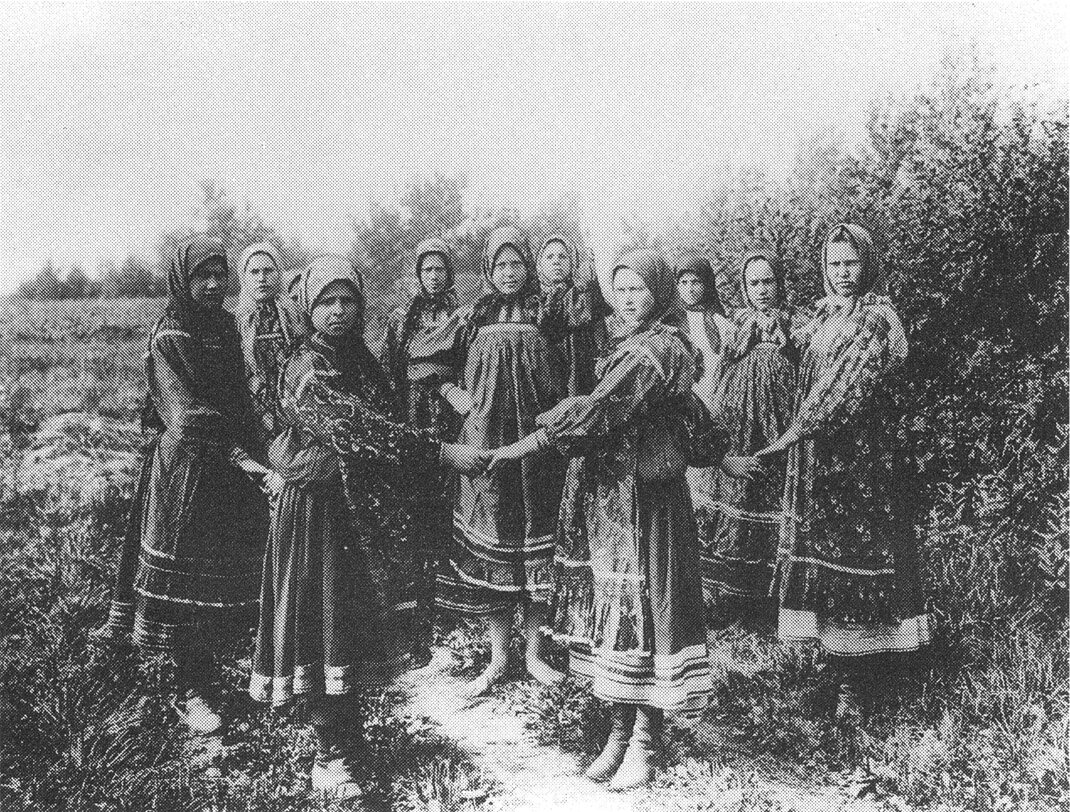 Хоровод девушек. Рязанская губ. Начало XX века