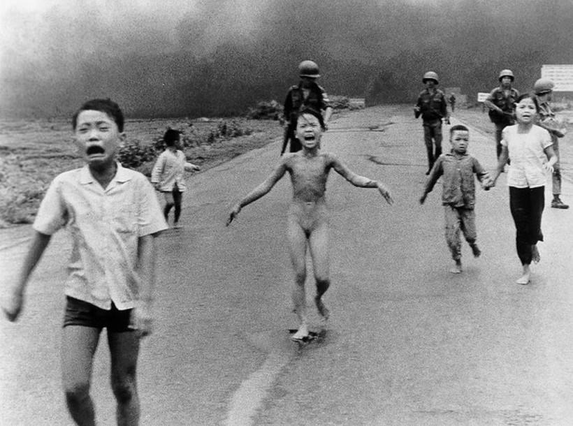 Самые известные и знаменитые фотографии, которые потрясли мир 0 141744 3d5e08ff orig