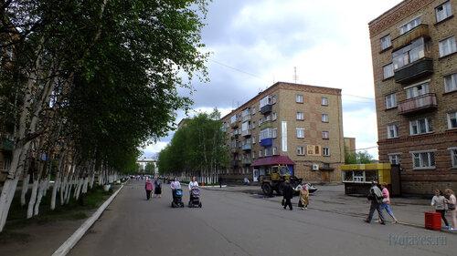 Фото города Инта №4647  Северо-западный угол Горького 5 19.06.2013_13:43